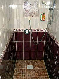 Large shower - Penkerris, bed and breakfast accommodation, St Agnes