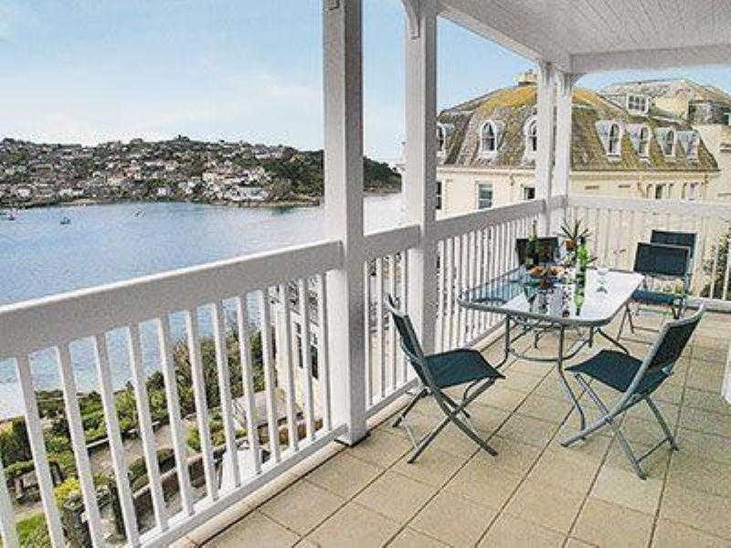 Sea blue holiday cottages bungalows apartments self for Blue sea motor inn