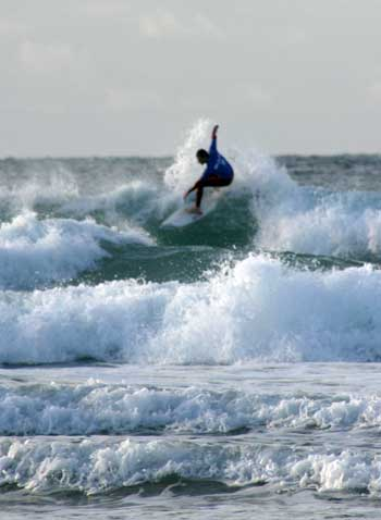Whether you are an experienced surfer or a beginner, Cornwall has surfing