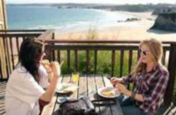 Backpacking, Hostels, Surf Lodges in Cornwall, Shared accommodation, dorms, budget rooms for backpackers and budget travellers in hostels and surf lodges in Cornwall