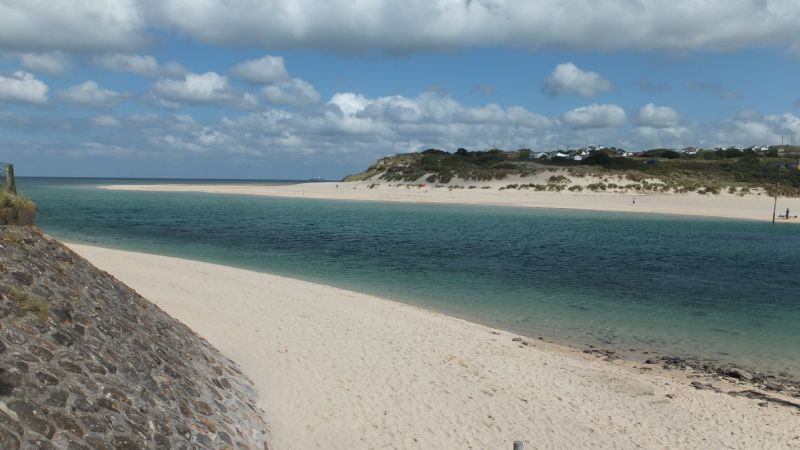 Walking along the Hayle estuary onto Porth Kidney beach